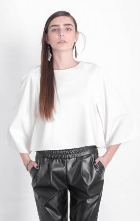 חולצה, חולצת טופ לבנה, חולצת עטלף